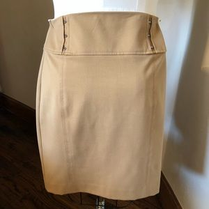 Express Size to fully lined khaki skirt. Size too.